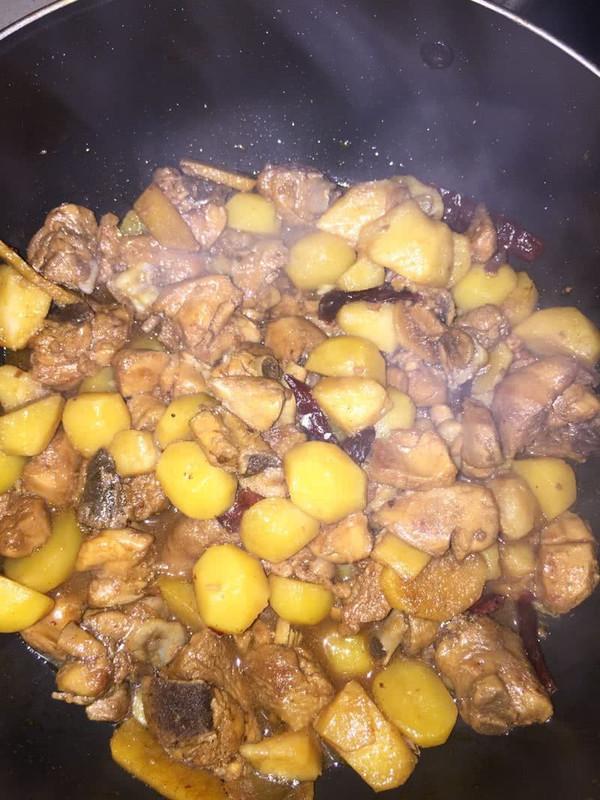 土豆炖鸡块的做法