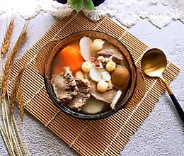 #洗手作羹汤#胡萝卜莲子芡实猪舌汤的做法