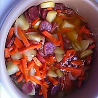 胡萝卜香肠土豆焖饭的做法图解5