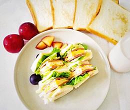 #硬核菜谱制作人#芝士火腿三明治的做法