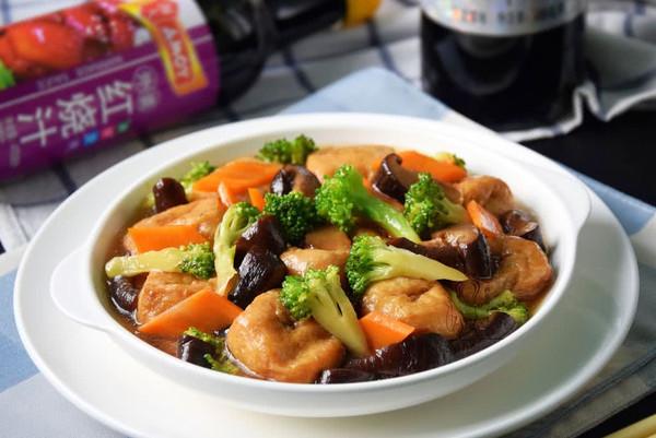 香菇烧油豆腐的做法