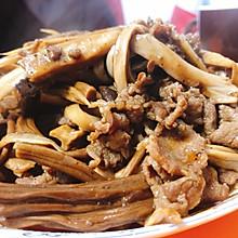 黑椒汁杏鲍菇茶树菇炒牛肉片