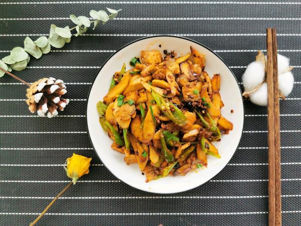 杏鲍菇小炒肉的做法