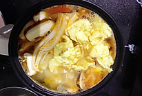 西红柿蛋花菌菇豆腐汤的做法
