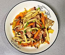 【孕妇食谱】干锅双菇炒腊肉,做法简单却满屋飘香~的做法