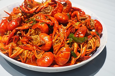 麻辣十三香小龙虾