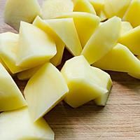 #中秋团圆食味#红烧土豆软烂酥香,一盘都不够吃!的做法图解2
