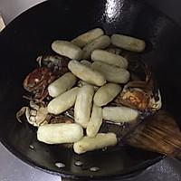 鉴定上海人的不二法门——毛蟹炒年糕的做法图解6