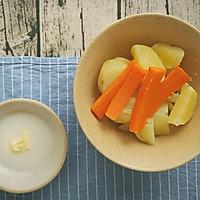 日式土豆泥+荷兰豆香肠便当,今天不想吃米饭!的做法图解2