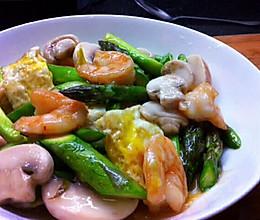 芦笋虾仁炒蛋脯的做法