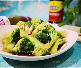 #中秋宴,名厨味#中秋家宴花好月圆之星厨汁味素炒西兰花更香口的做法