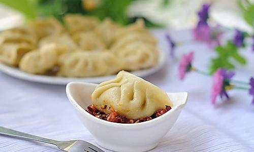 菜汁马蹄猪肉蒸饺的做法