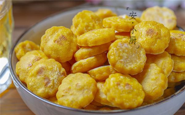 1個紅薯1碗粉做外酥內軟的紅薯小餅,全家人都愛吃(平底鍋版)