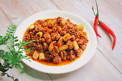 特色下酒菜——红油兔丁