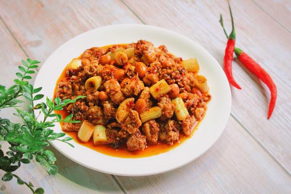 特色下酒菜——红油兔丁的做法