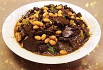 五香黄豆焖猪红的做法
