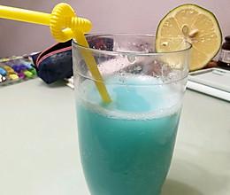 蓝柑柠檬乳酸气泡水的做法