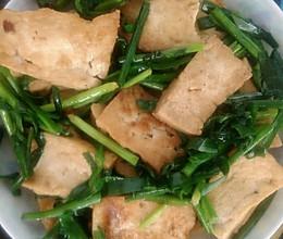 【家常小炒】韭菜烧北豆腐的做法