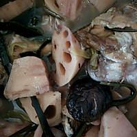 莲藕海带大骨汤的做法图解8