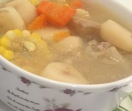 粉葛胡萝卜玉米马蹄猪脚汤的做法
