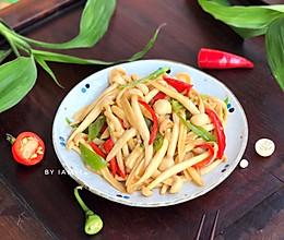 #快手又营养,我家的冬日必备菜品# 双椒海鲜菇的做法