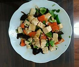 清淡豆腐伴三样的做法