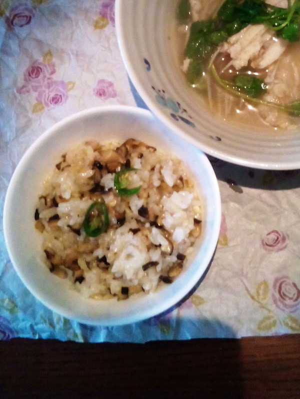润口香菇糯米饭的做法