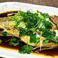 清蒸鲈鱼 (自制蒸鱼豉油)的做法图解5