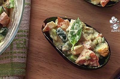 牛油果金枪鱼沙律 【简单营养的沙拉】