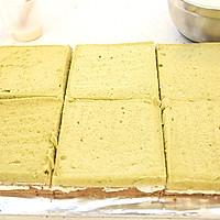 大号方形庆典蛋糕淡奶油抹面裱花的做法图解2