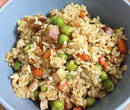 腊肉豌豆闷饭的做法