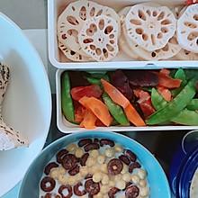 上班族快速备餐法:腊肠荷兰豆+凉拌藕片