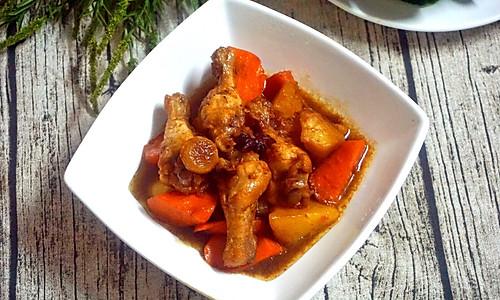 东北小炖菜:土豆胡萝卜炖小鸡腿的做法