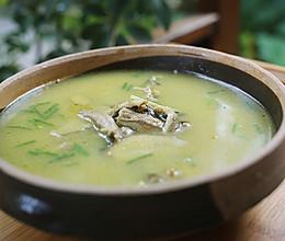 调理子宫肌瘤的桃红鳝鱼汤的做法
