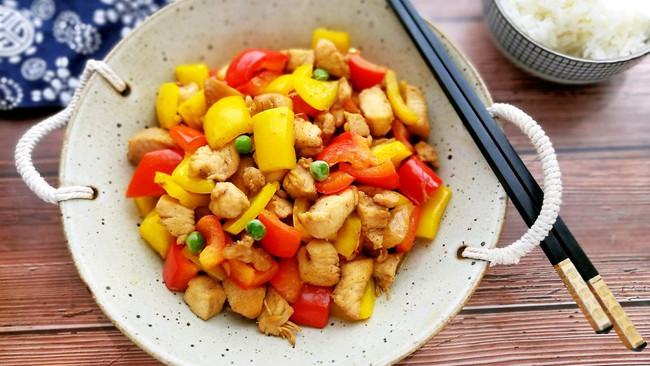#一人一道拿手菜#彩椒时蔬鸡胸肉的做法