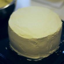 奶油蛋糕简易抹平方法