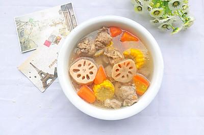 莲藕胡萝卜玉米排骨汤