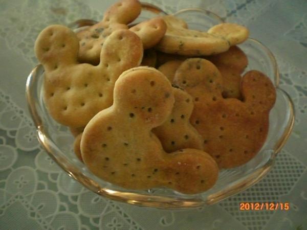 首次做饼干----奶香芝麻苏打饼干