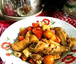 胡萝卜土豆焖鸡的做法