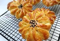 椰蓉花朵面包#让爱不负好食光#的做法