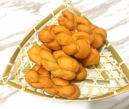 """麻花要想做的""""酥脆"""",需掌握3个技巧,做法比例详细还简单的做法"""
