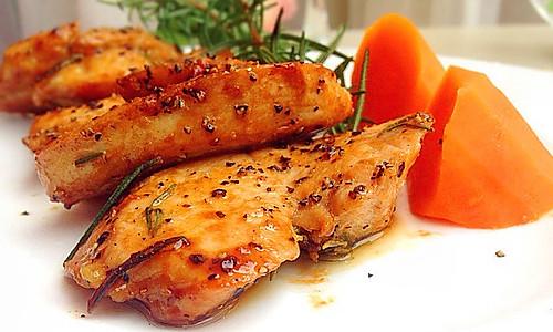 香煎鸡胸肉----让你吃出浪漫的感觉来的做法