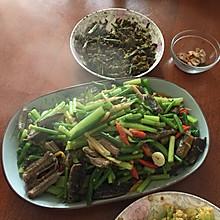 蒜苔炒黄鳝鱼