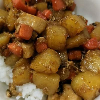 鸡丁土豆盖浇饭