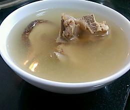 广东老火汤 五指毛桃淮山茯苓薏米排骨汤的做法
