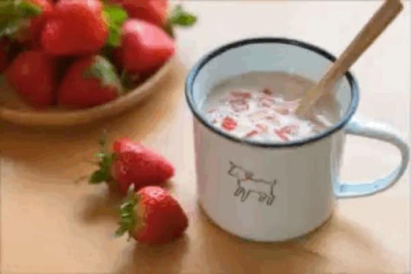 草莓燕麦的做法