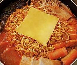 韩式部队火锅,厨房小白也能轻松驾驭的做法
