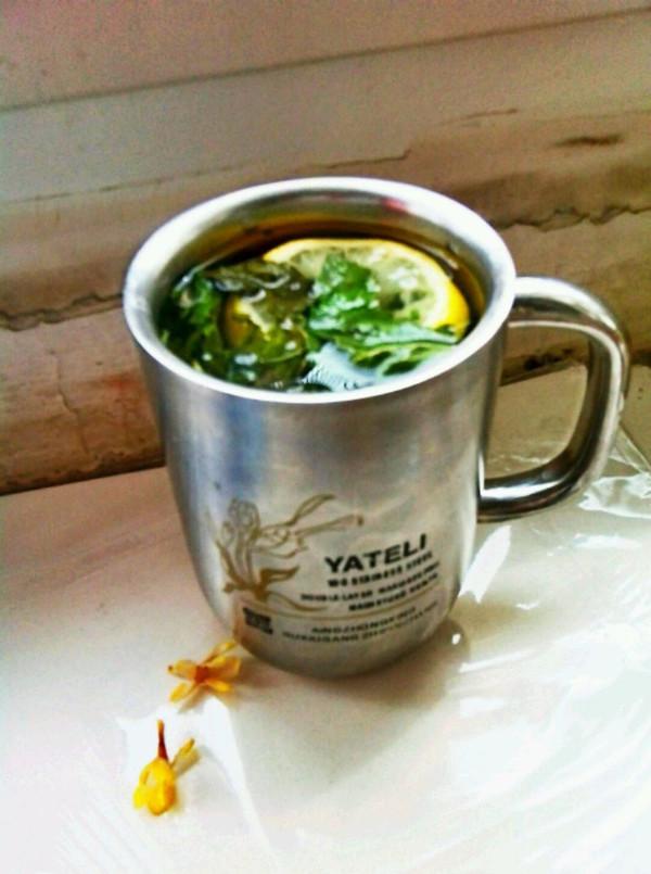 解决嗓子疼之——柠檬薄荷茶的做法