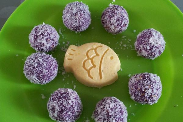 蜂蜜芝麻椰蓉紫薯球的做法