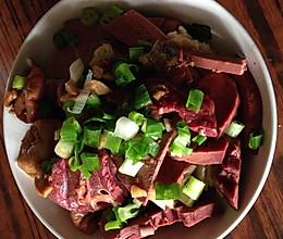 老北京风味小吃  卤煮火烧的做法